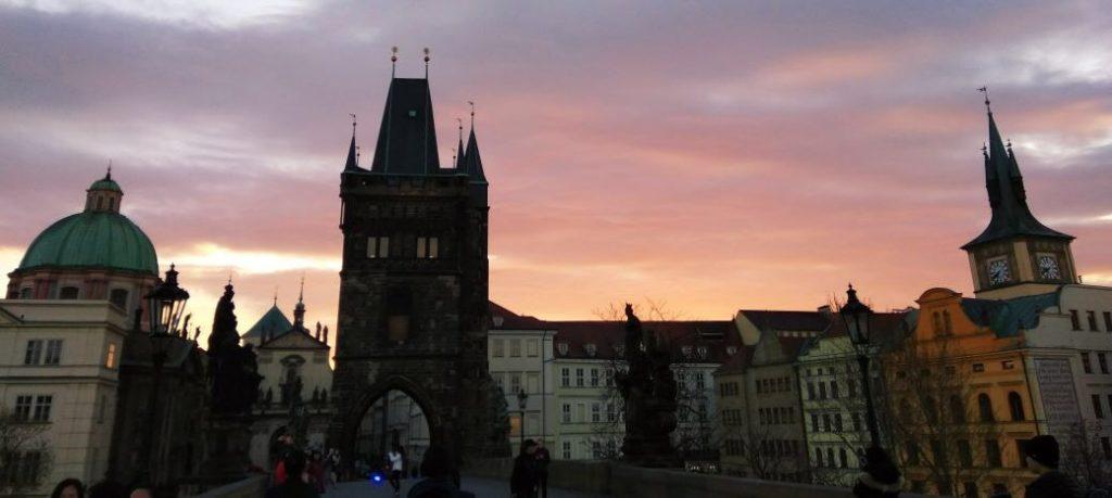 Anoitecendo em Praga