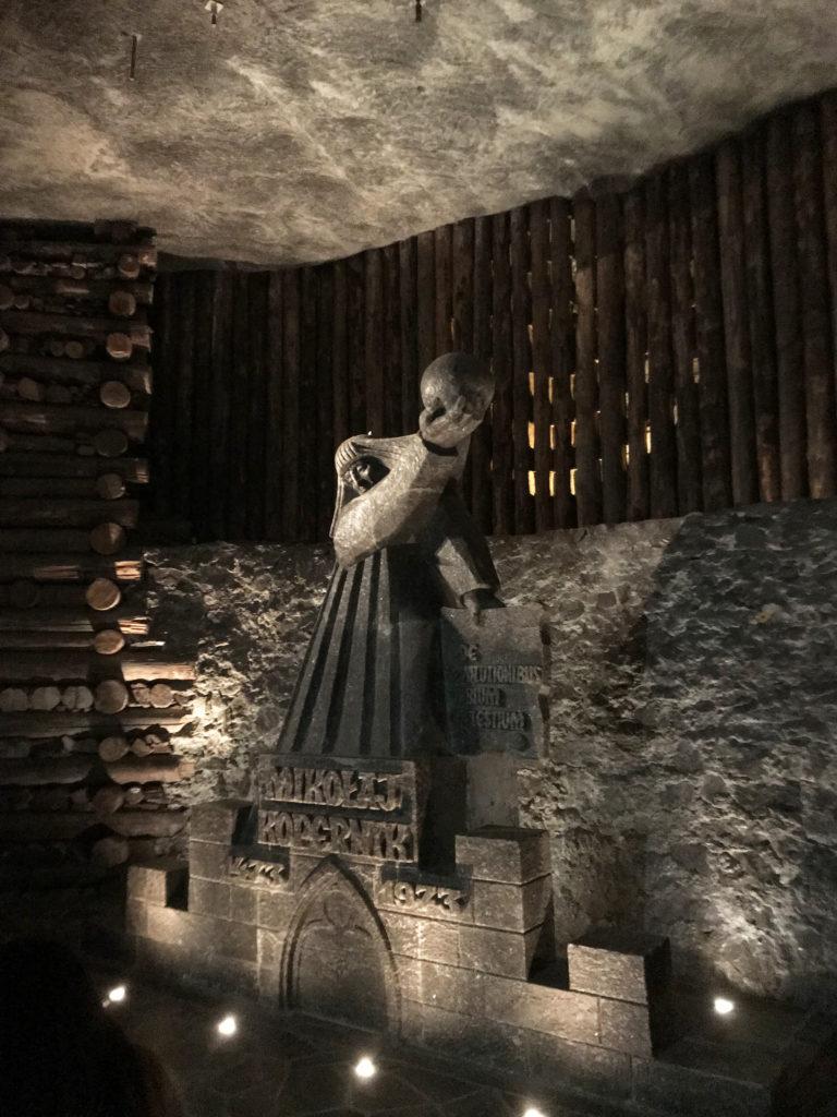 Estatuas e esculturas de sal na mina