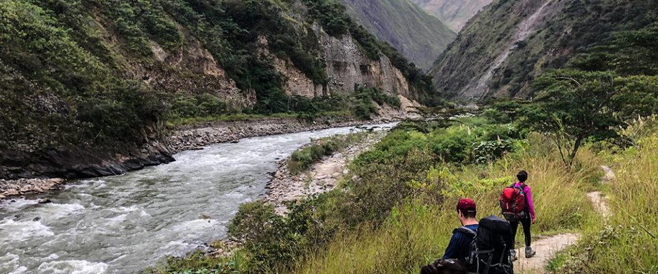 Caminhada ao lado do Rio - Inca Jungle