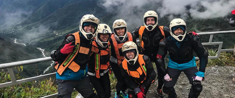 Descendo de bike pela Serra Peruana