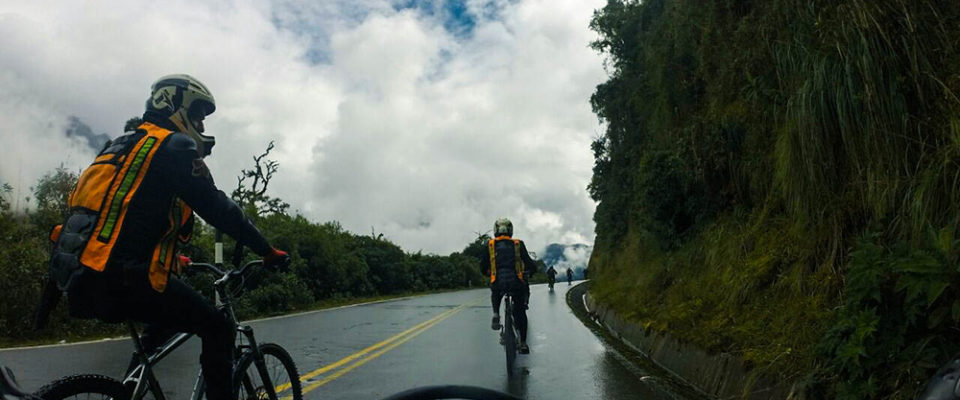 Descida de Bike na serra peruana